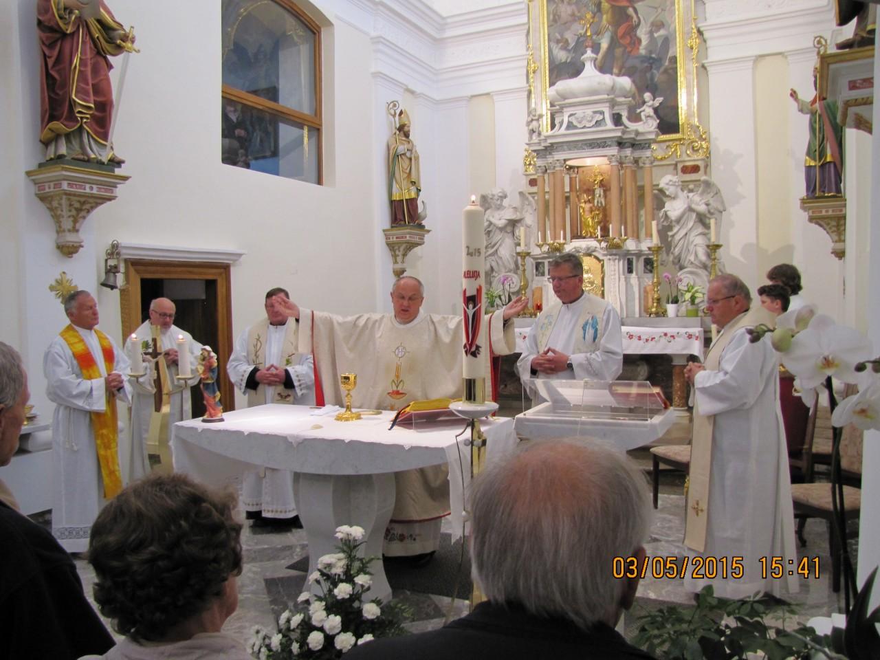 Mašo daroval Jože Treven v somaševanju petih duhovnikov