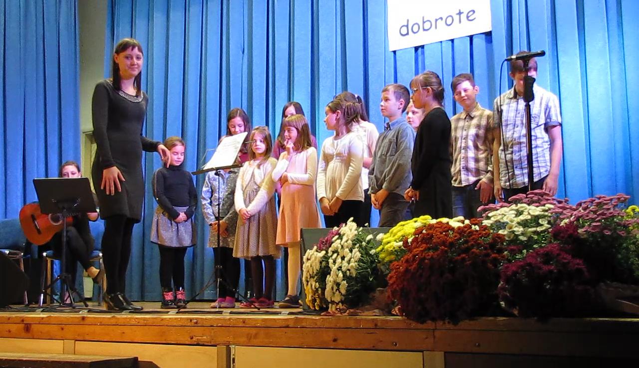 Z malimi koraki je začel tudi Otroški cerkveni pevski zbor pod vodstvom Urše Malavašič