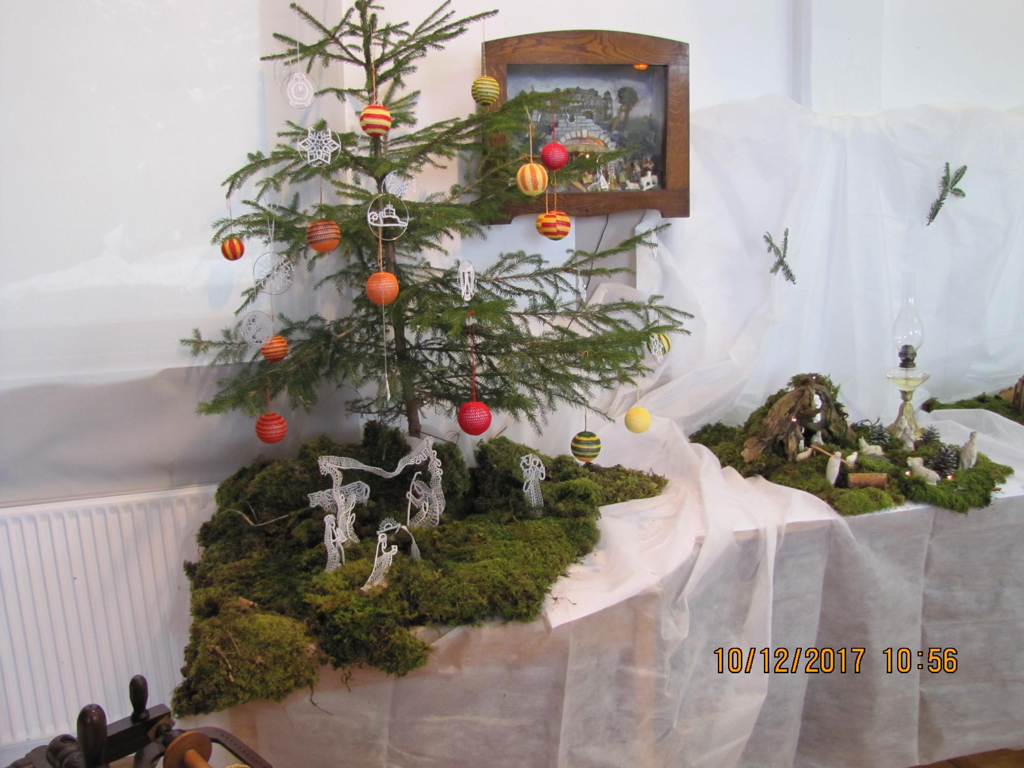 Klekljane Jaslice in okraski na Božičnem drevescu, Martina Trpin, Rovte 17, Kvačkani okraski, Jelka Skvarča(Brnkova)
