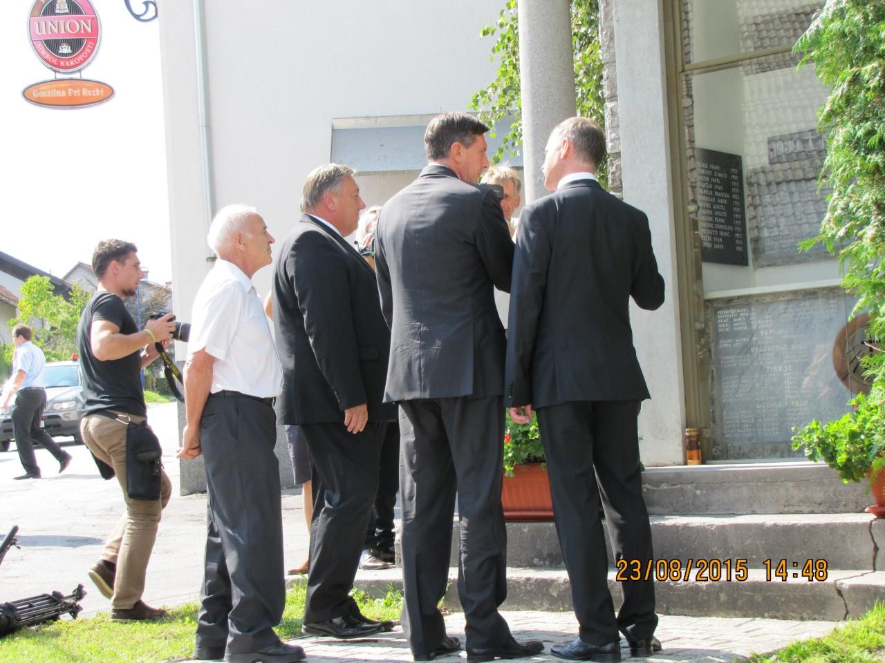 Rovte ob evropskem dnevu totalitarnih in avtoritarnih režimov 23. avgust 2015, Jože Leskovec razloži zgodovino in pomen Spravne Kapele