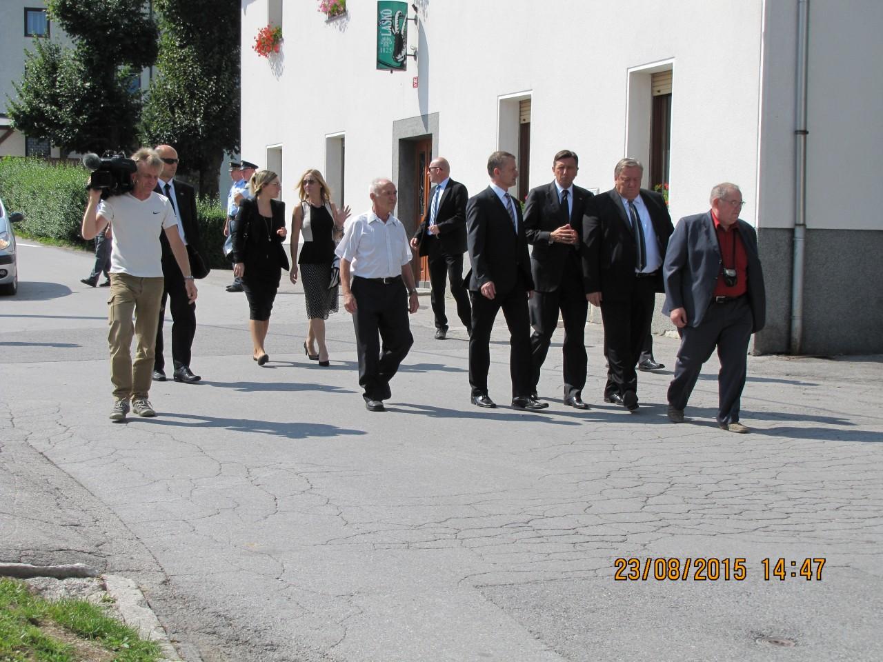Rovte ob evropskem dnevu totalitarnih in avtoritarnih režimov 23. avgust 2015, Prihod predsednik RS Borut_Pahor, župan Občine Logatec in predsednik KS Rovte Viktor Trček