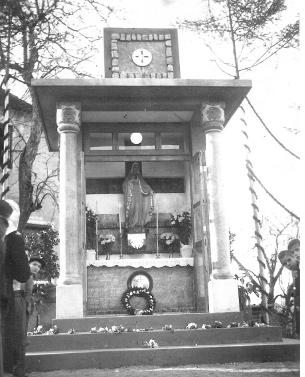 pominska kapelica žrtvam 1. , 2. svetovne vojne in osamosvojitvene vojne, Rovte 1944